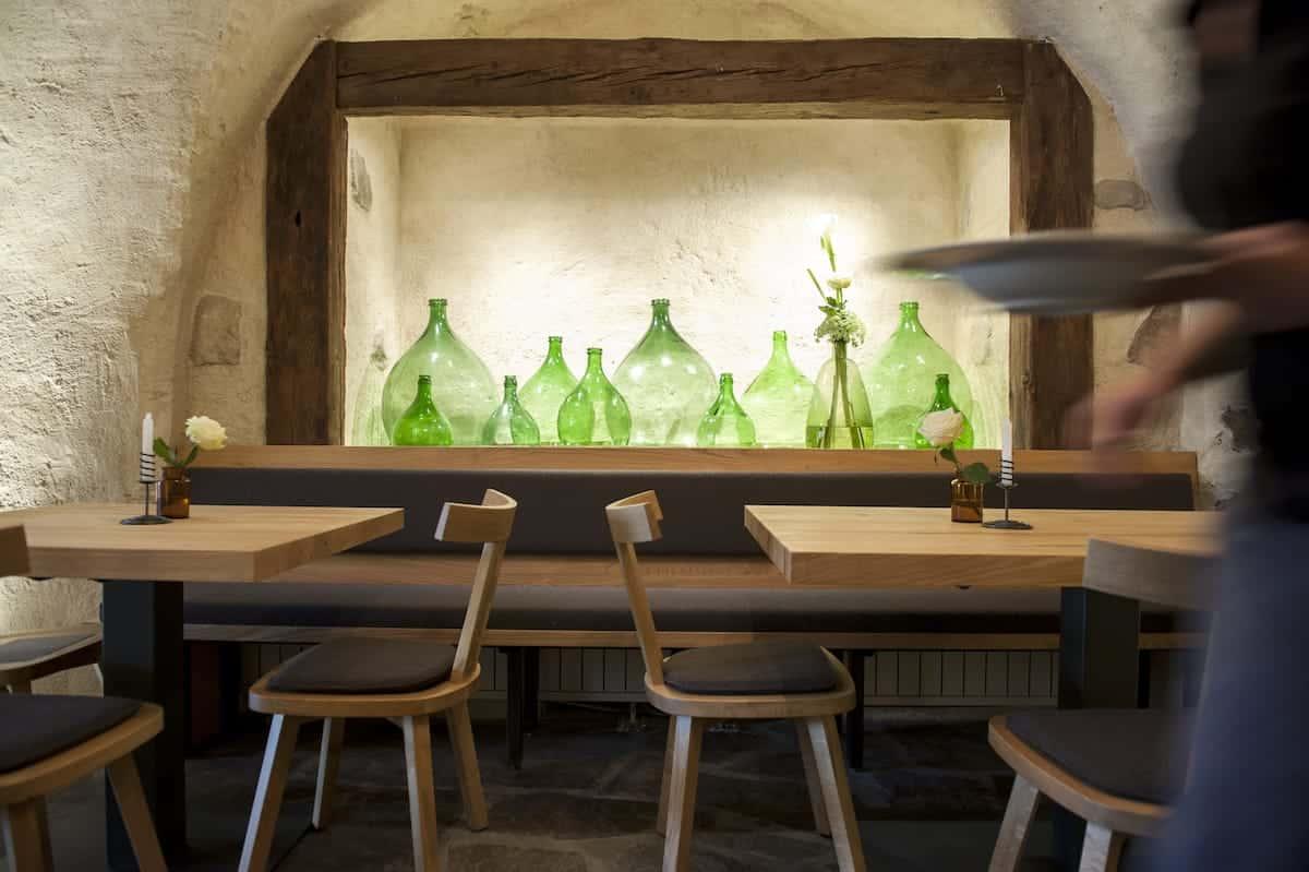 Seehof Keller | Restaurant Innen Flaschen - Inside Bottles
