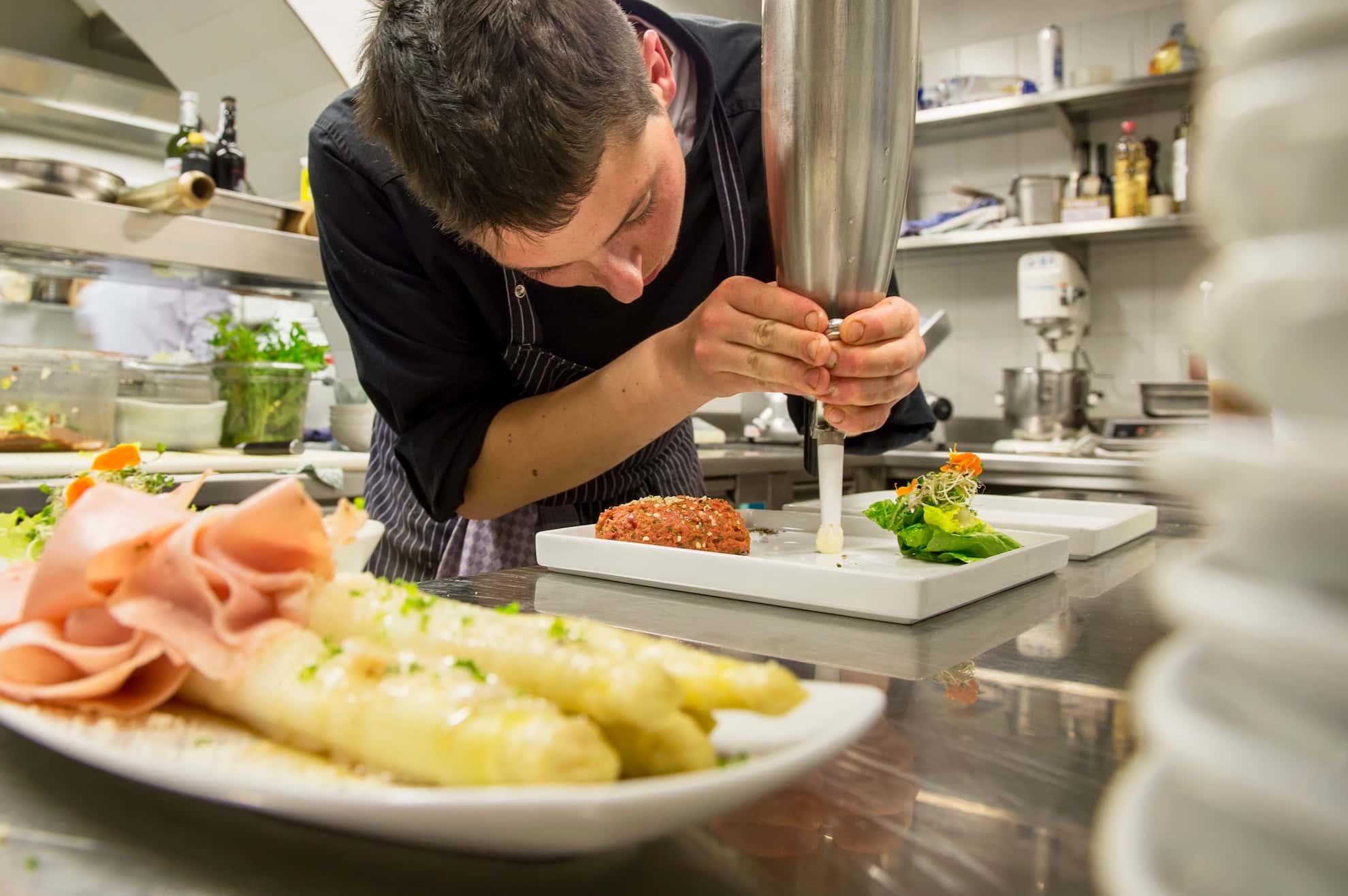 Seehof Keller | Restaurant Spargel - Asparagus Tartar